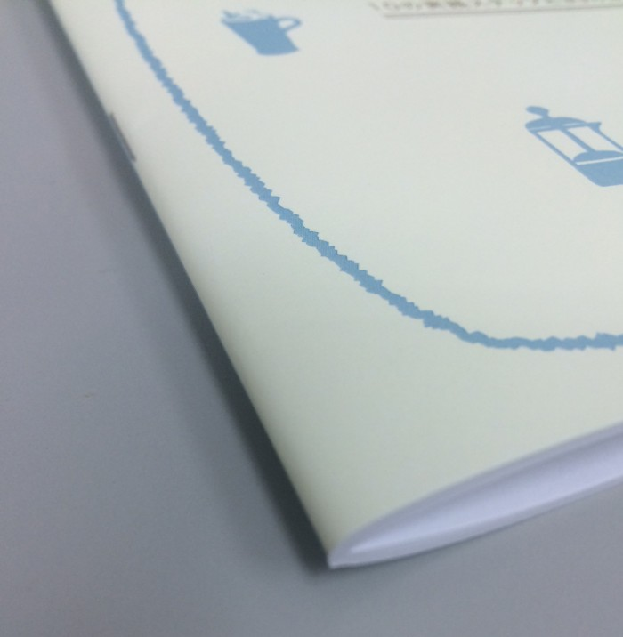 中綴じ「冊子の背を2点ホッチキス(針金)で留める方法」